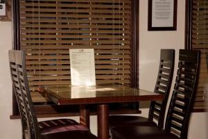 restaurant-220409_640